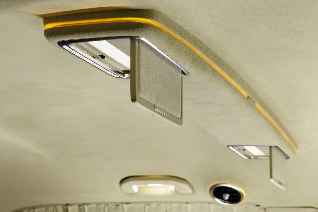 Перетяжка потолка автомобиля. Фото 2
