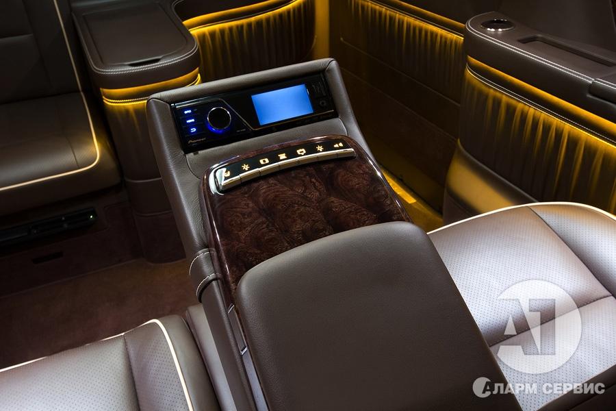 Cалон Mercedes Benz Viano VIP. Фото 6, А1 Авто.
