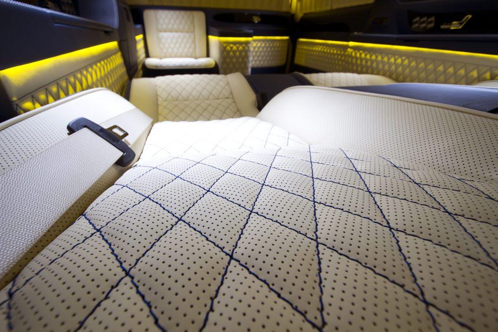 Фото кожаного салона Mercedes Benz Viano VIP.