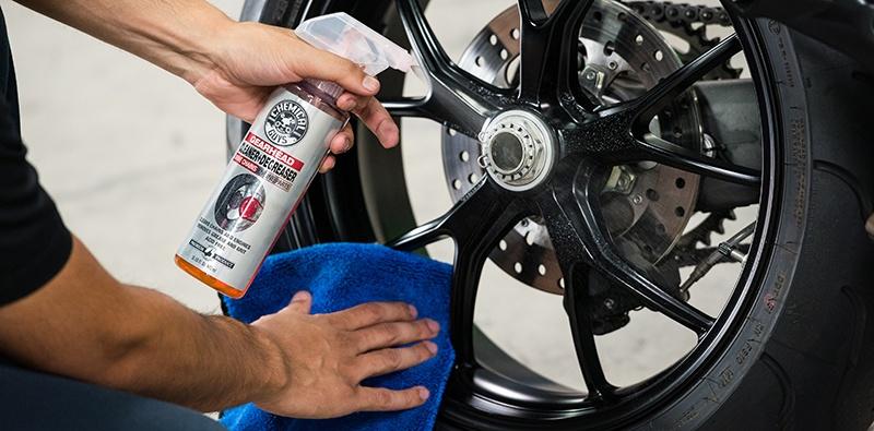 Деликатная контактная мойка мотоциклов. Фото 1