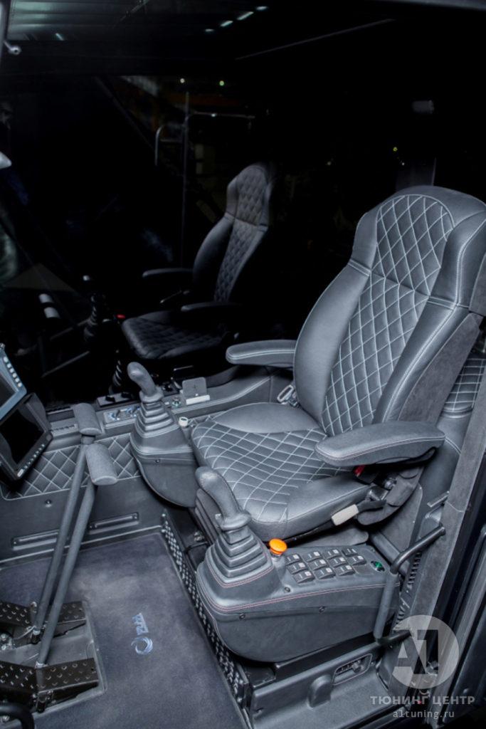 Фото кожаного салона Экскаватор TX 210, A1 Auto