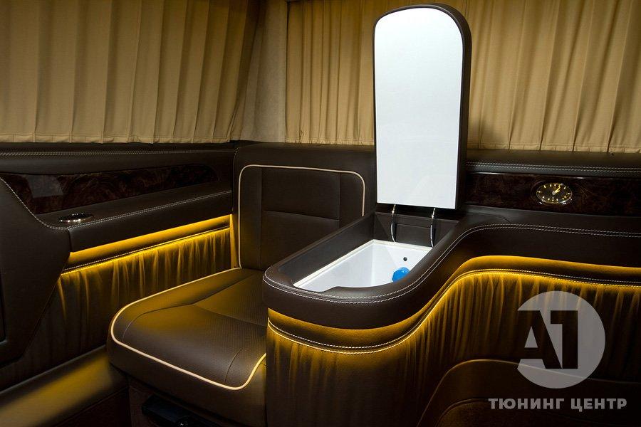 Холодильник Mercedes Benz Viano VIP.