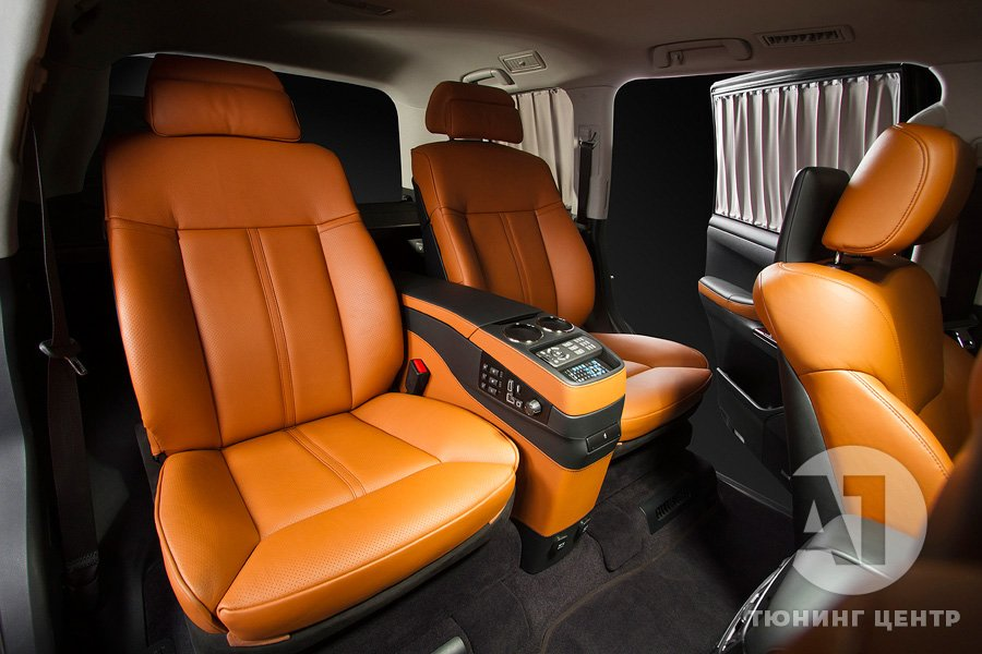 Перетяжка сидений автомобиля кожей