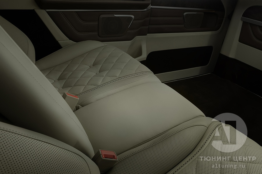 Фото кожаного салона Mercedes Benz V-Class. A1 Auto