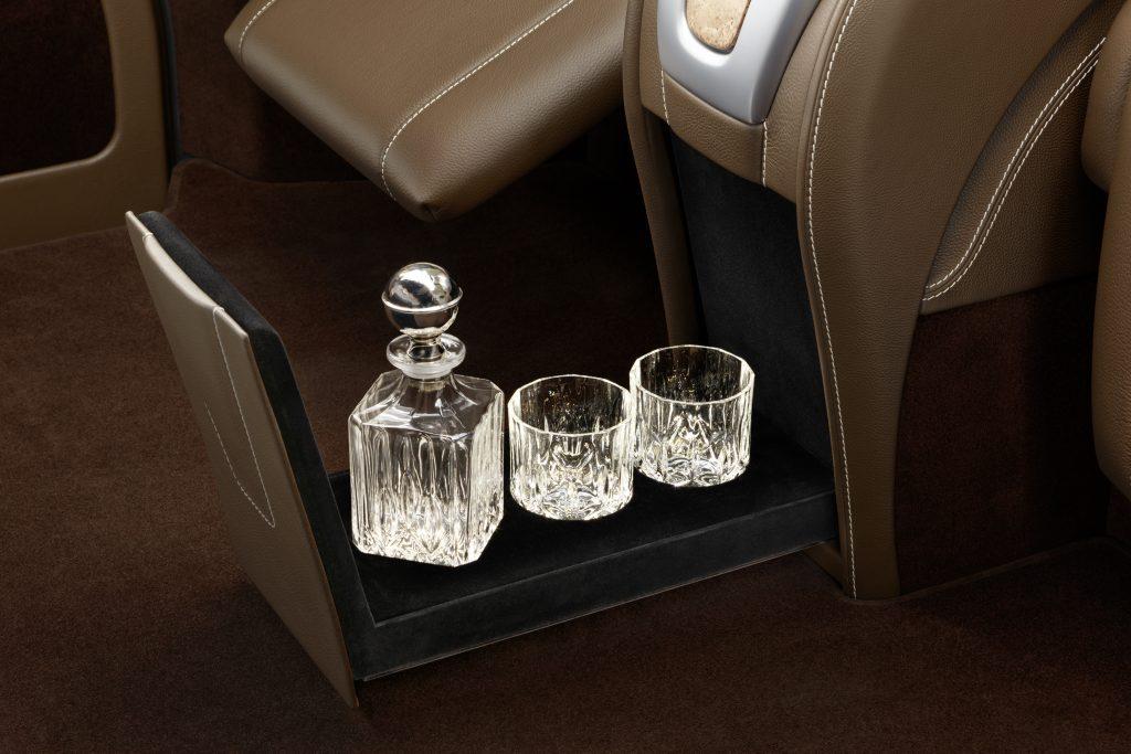 Тюнинг салона Mercedes Benz V-VIP фото 7, А1 Auto
